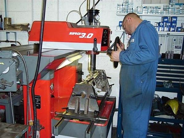Man Using Serdi 3.0 Machine | T&L Engineering Bedford